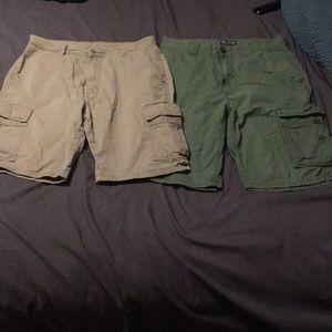 2 pairs cargo shorts wrangler and LRG